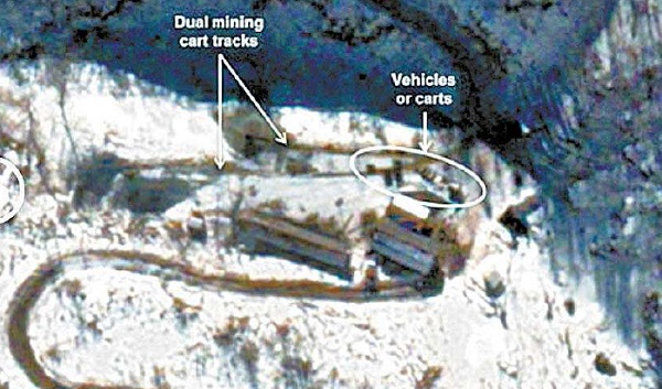 38 North, a North Korea watchers' website, made public a satellite photo taken on Dec. 12 of the Punggye-ri nuclear test site. 38 North concluded that a new tunnel for a nuclear test was under construction. [NEWSIS]