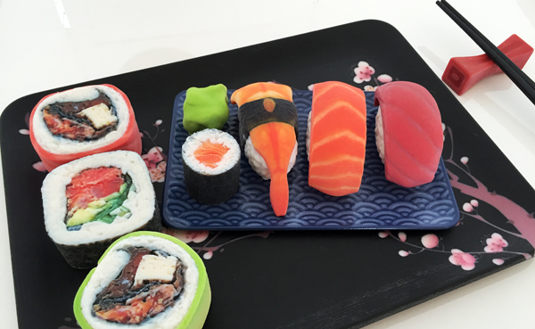A sushi plate that looks good enough to eat - even though it was produced by the new J750 3-D printer from Stratasys. The latest 3-D printers are creating new possibilities for producers and consumers alike. [PRINTING PROFILE]