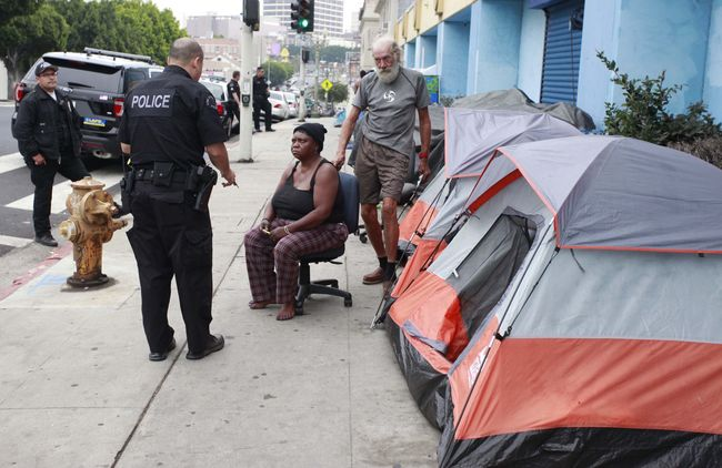 The LAPD is running an outreach unit to monitor the homeless population in the city. A homeless outreach unit in Koreatown is investigating one homeless person. Sang Jim Kim