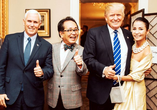 Trump joined Choi, his longtime Korean-American friend, for his birthday party on Nov. 19. From the left, Vice President-elect Mike Pence, Min-ki Choi, President-elect Trump and Hye-kyoung Won. [Photo provided by Choi]