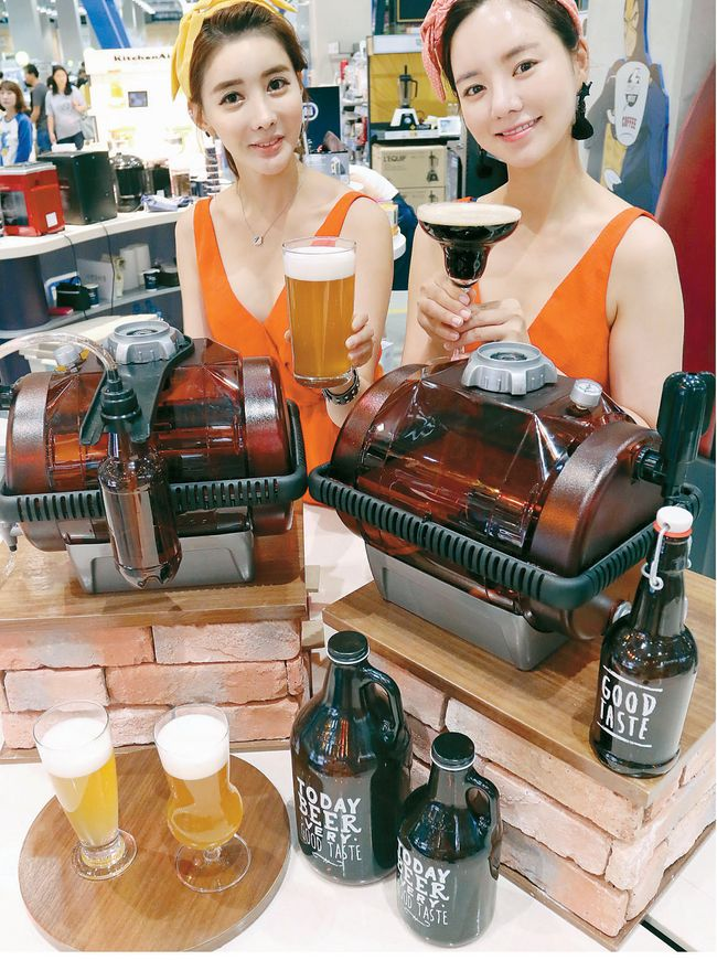 As craft beers continues to be in demand, homebrew supplies are also garnering immense popularity. [Photo provided by Newsis]
