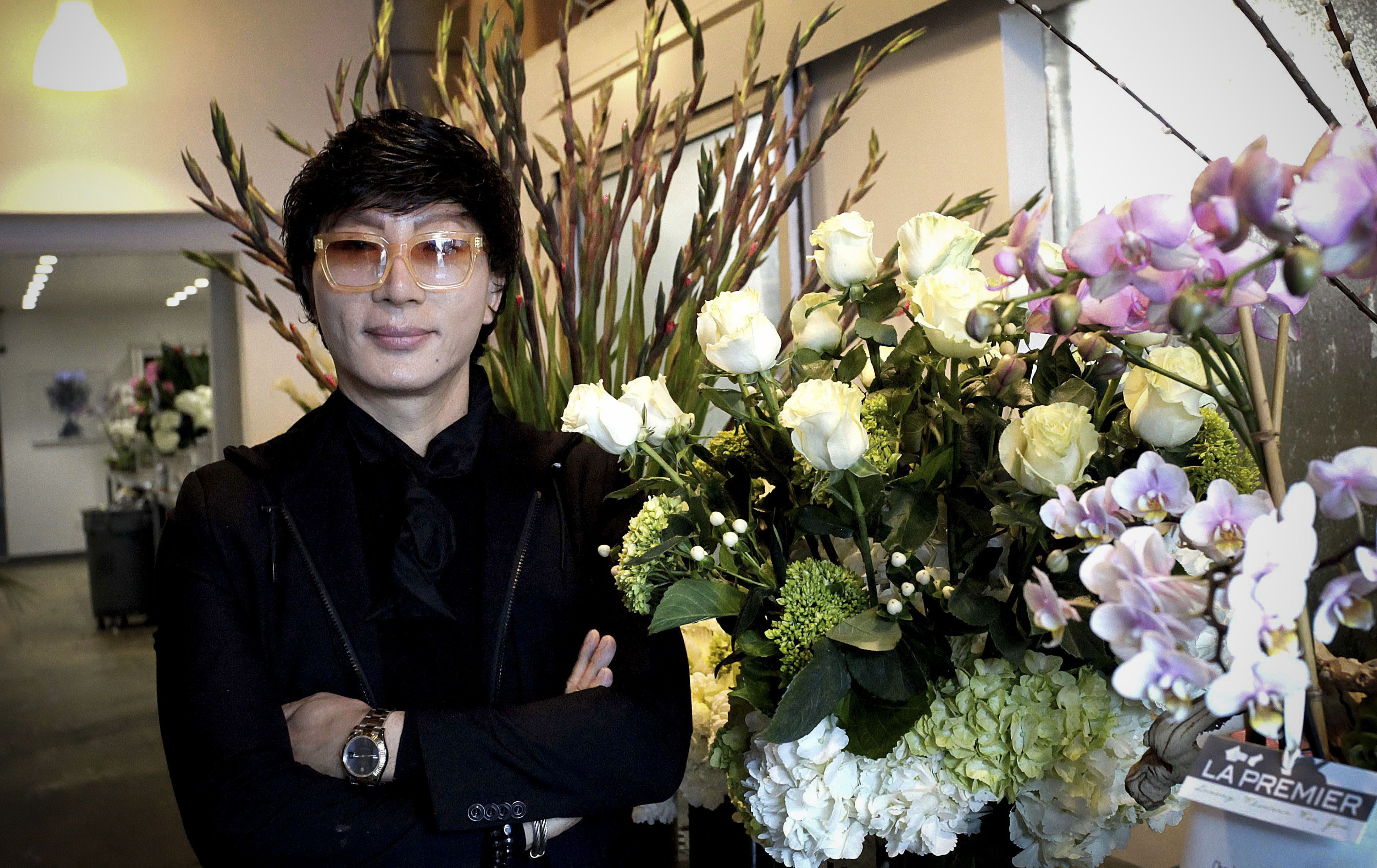 A Pionate Wedding Planner Innately Talented Florist And Wide Businessman The Multifaceted Do It All Man Is Kevin Lee Who Was In Charge Of