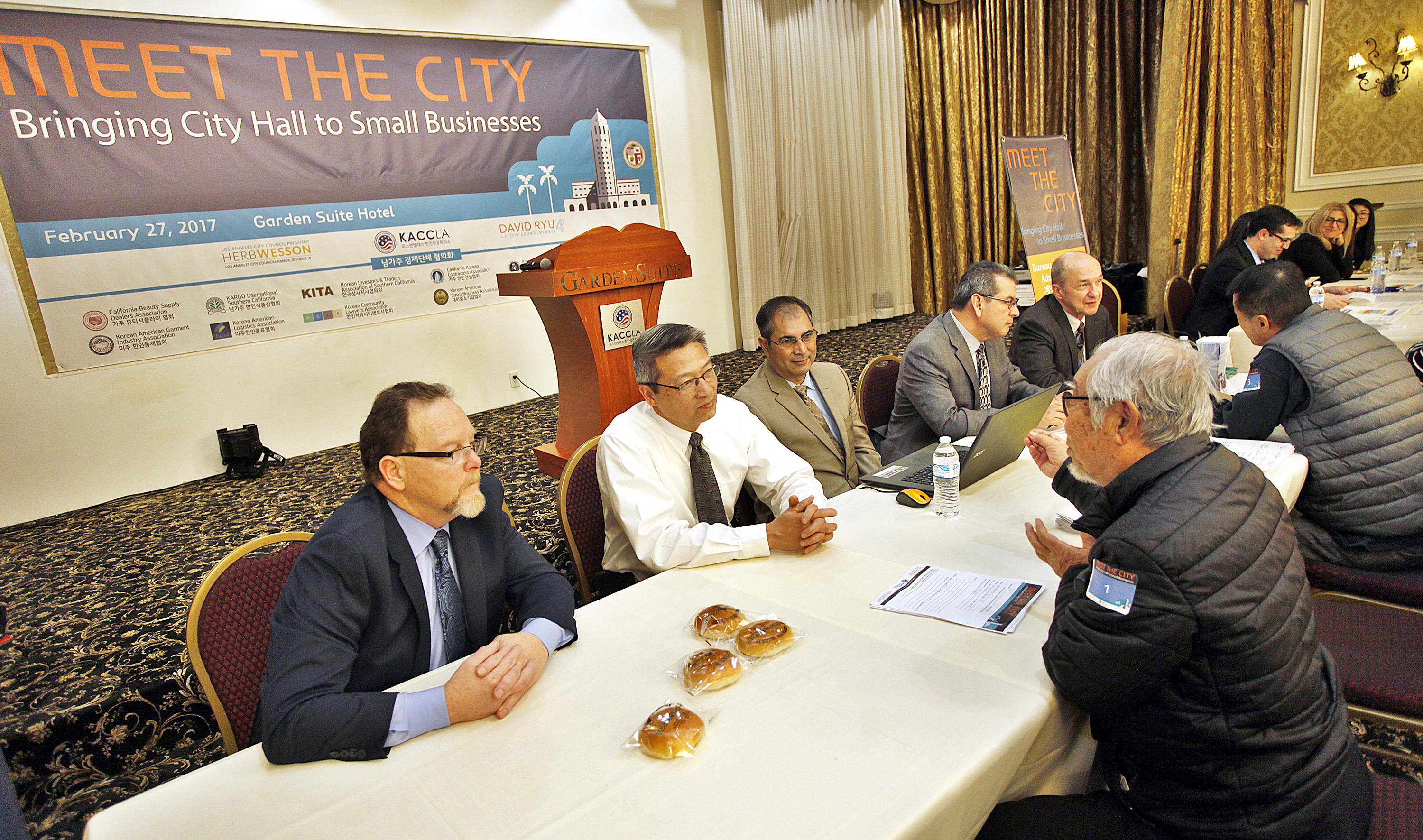 'Meet the City' hosted by the Korean Chamber of Commerce, arranged a meeting between small business owners in the Korean-American community with L.A.'s city officials on Feb. 27 at Koreatown's Garden Suite Hotel.